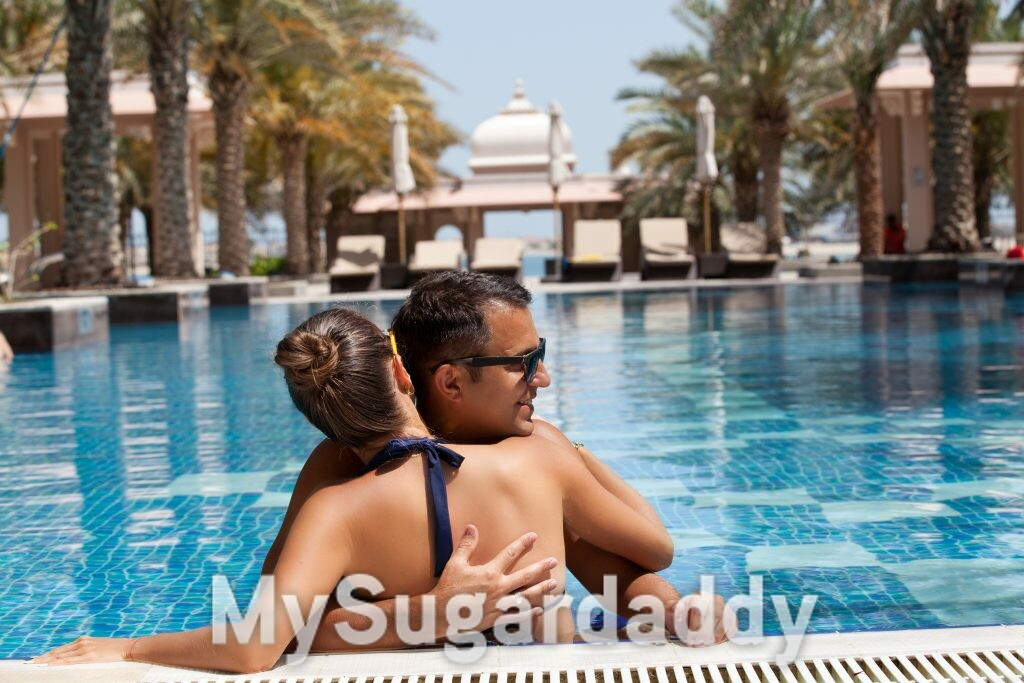 relacionamento sugar com casal na piscina