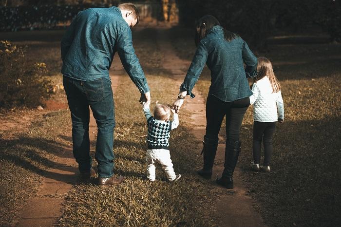 daddy-issues-familia.jpg